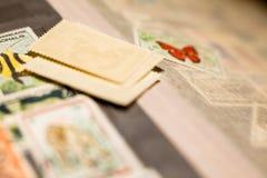 Stapel van zegels in het zegelalbum stock foto