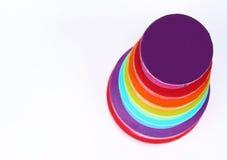 Stapel von 7 farbigen Kästen Stockfoto