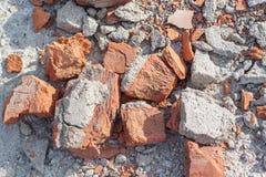 Stapel von alten gebrochenen Ziegelsteinen Lizenzfreie Stockfotografie