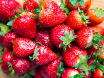 Stapel von Erdbeeren lizenzfreie stockbilder