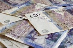 Stapel von gbp Sterling der Geldbritischen pfunde für Finanzierung Stockfotografie