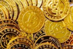 Stapel von Gold-bitcoins Stockbild