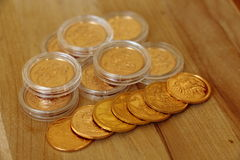 Stapel von Goldherrschern Stockfotos