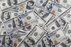 Stapel von hundert neuem und altem Design der Dollar Stockfoto
