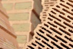 Stapel von keramischen Ziegelsteinen Stockfotografie