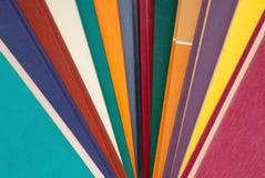 Stapel von mehrfarbigen Büchern, Bündel mehrfarbige Bücher, Haufen O Lizenzfreie Stockfotografie