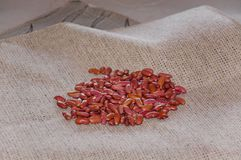 Stapel von roten Gartenbohnen Stockfotos
