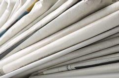 Stapel von verschiedenen Zeitungen Lizenzfreies Stockbild