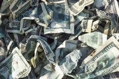 Stapel von zerknitterten Dollar lizenzfreie stockfotografie