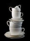 Stapel witte koffiekoppen en platen Royalty-vrije Stock Fotografie