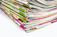 Stapel Zeitschriften stockfotos