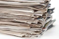 Stapel Zeitungen Stockfoto