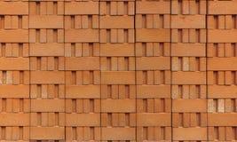 Stapel Ziegelsteine des roten Lehms Stockbilder