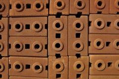Stapel Ziegelsteine des roten Lehms Lizenzfreies Stockbild