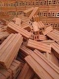 Stapel Ziegelsteine des roten Lehms Stockfoto