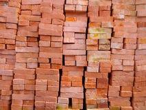 Stapel Ziegelsteine für Bau Stockbild