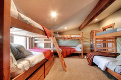 Stapelbedden in slaapkamer Royalty-vrije Stock Afbeelding