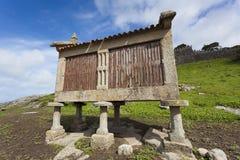 Stapelgraanschuur in Baiona Royalty-vrije Stock Afbeeldingen