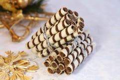 Stapels chocoladelogboeken voor Kerstmis Stock Foto's