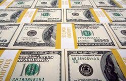 Stapels van de Rekeningen van Honderd Dollars stock afbeelding