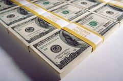 Stapels van de Rekeningen van Honderd Dollars royalty-vrije stock foto