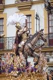 Stapgeheimzinnigheid van het broederschap van hoop van Triana, Pasen in Sevilla royalty-vrije stock fotografie