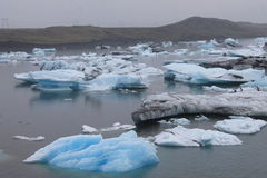 Stapianie lód przy glacjalnym rzecznym lagon Jökulsà ¡ rlà ³ n Zdjęcie Royalty Free