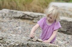 stapla stenar arkivfoton