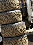 staplade däck för bilrace Royaltyfria Foton