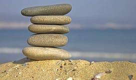 staplade pebbles Royaltyfri Bild