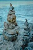 Staplade stenar på kusten av den Mackinac ön Royaltyfria Bilder