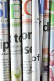 Staplade tidningar vikta och Royaltyfri Bild