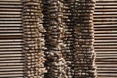 Staplade träpaneler Royaltyfri Bild