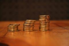 Staplar guld- mynt Fotografering för Bildbyråer