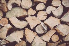 Staplat brandträ i vinter Fotografering för Bildbyråer