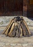 Staplat torrt trä royaltyfri bild