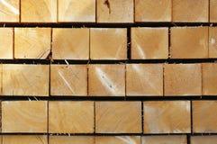 staplat trä för slut fyrkant Royaltyfri Fotografi