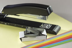 Stapler and staples supplies Royalty Free Stock Images