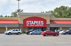 Staples armazena e logotipo Imagem de Stock Royalty Free