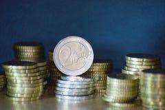 Staples av euromynt Arkivbilder