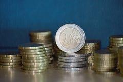 Staples av euromynt Arkivbild