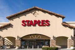 Staples Biurowej dostawy sklepu logo i znak Fotografia Stock