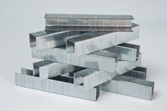 Staples machte vom Metall für Haushaltshefter Lizenzfreies Stockfoto