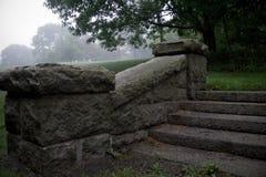 Stappen bij Ruïnes van Haven Maine van de Herenhuis de Dichtbijgelegen Bar royalty-vrije stock afbeeldingen