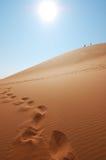 Stappen op het zand Stock Afbeelding