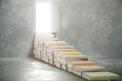 Stappen van boeken in de open deur stock fotografie