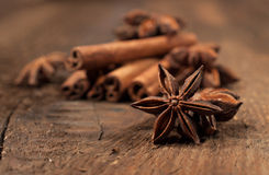 Star anise and cinnamon sticks close-up Royalty Free Stock Photos