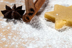 Star with cinnamon sticks and star anise V2 Stock Photos