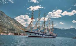 Star o veleiro de Clippers em Boca Bay de Kotor Perast aproximadamente em junho Imagem de Stock