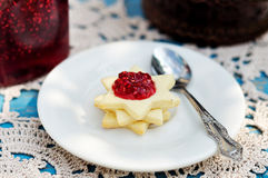 Star Shaped Biscuits with Raspberry Jam Royalty Free Stock Images